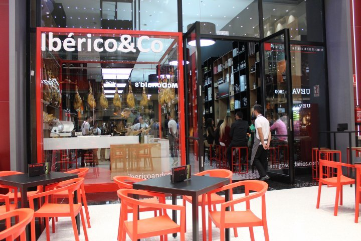 iberico and co inauguración nevada shopping