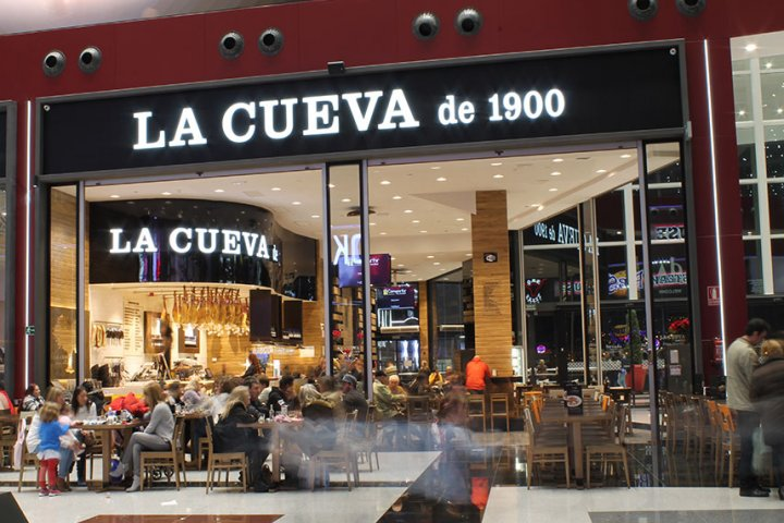 Restaurante La Cueva de 1900 Nevada Shopping